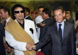 Sarkozy et Kadhafi (Libye).