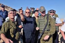 Tal Russo (Commandant du Commandement de la Région Sud), Ehud Barak, Benny Gantz et Yoav (Poly) Mordechai (le Porte-parole de Tsahal)