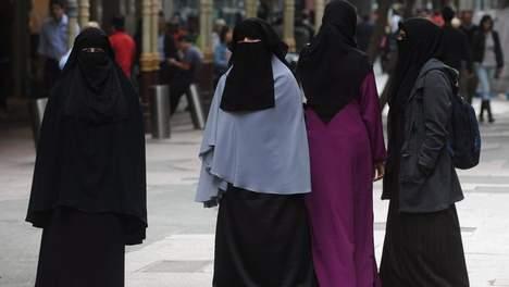 Burka à Molenbeek en Belgique, quartier à majorité musulmans.