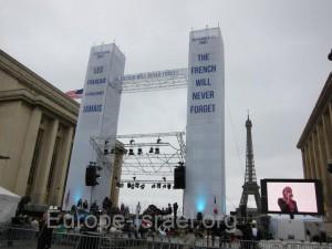 Petit résumé en vidéo de la commémoration du 11 septembre 2001 au Trocadéro.