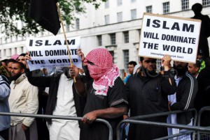 muslims-against-crusade-protest-against-obamas-state-visit_702376