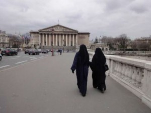 Port du niqab à Paris