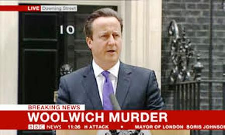 David Cameron - contre toute logique - appelant à ne pas stigmatiser, ni accuser l'Islam de ce meurtre horrible, alors que les auteurs affirmaient avoir agi au nom d'Allah...