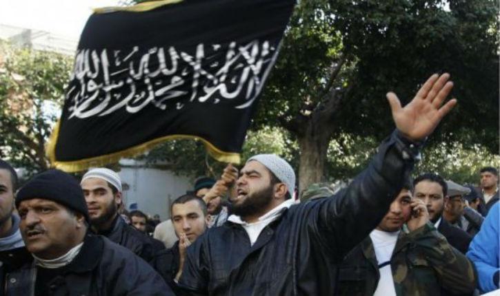 [Vidéos] L'Islam dans les banlieues en Europe – Un reportage de Zvi Yehezkeli et David Deryi, journalistes israéliens. A voir…
