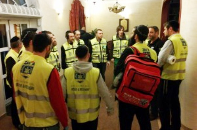 Des équipes d'urgence israéliennes pour former des volontaires juifs en cas de coup dur en Ukraine.