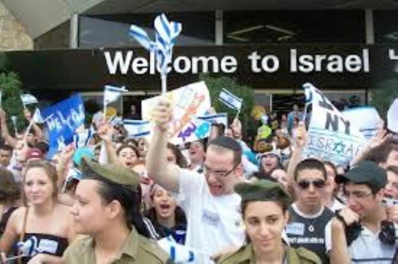 Entre 1000 et 1500 juifs quitteront la France pour Israël en juillet et août 2014 !