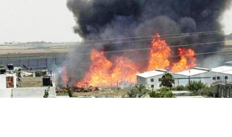 Une roquette du Hamas touche et incendie à Gaza un entrepôt de l'UNRWA.