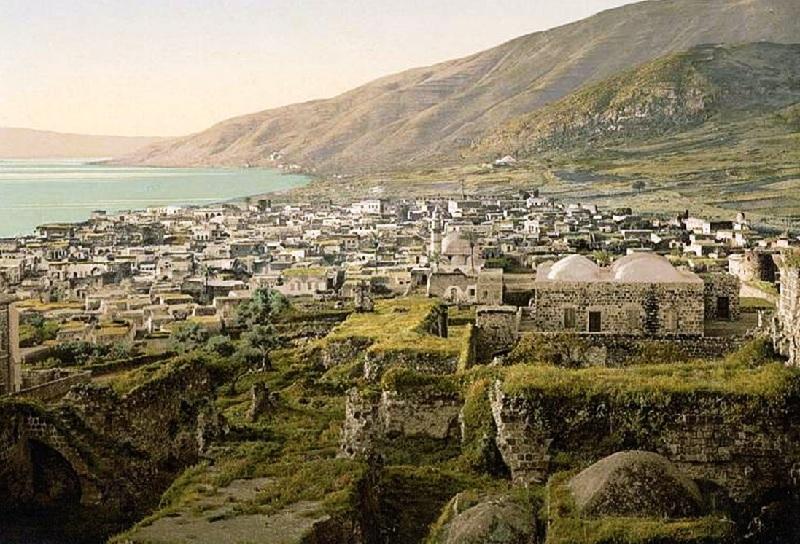 Tiberias-טְבֶרְיSea-of-Galilee-shore-