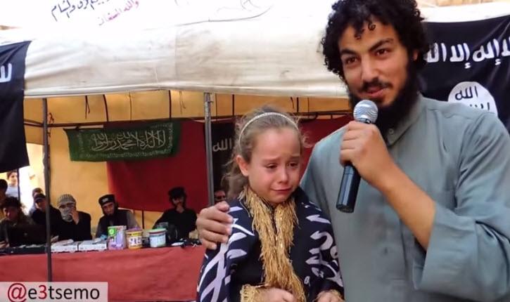 L'horreur: Un djihadiste de ISIS annonce son mariage avec une fillette terrifiée de 7 ans dans la ville occupée en Syrie !