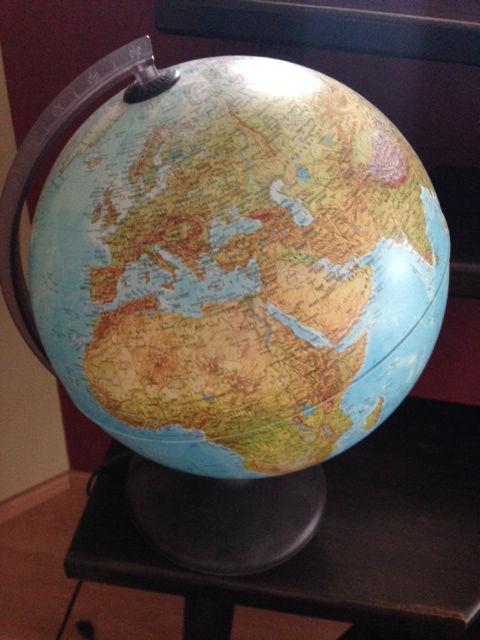 Globe terrestre offert pour Noël 2013 où figure Israël avec Jérusalem comme capitale