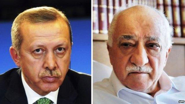 Recep Tayyip Erdogan (gauche) et Fethullah Gulen furent jadis des proches alliés